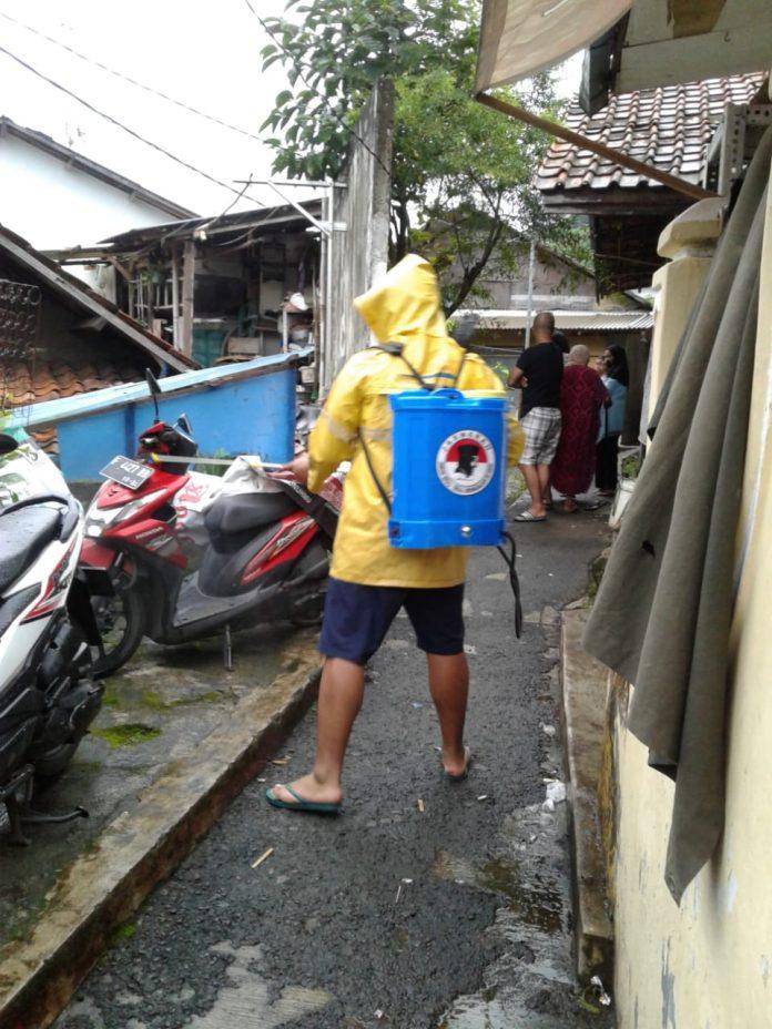 LCT lakukan penyemprotan disinfektan di kota bogor