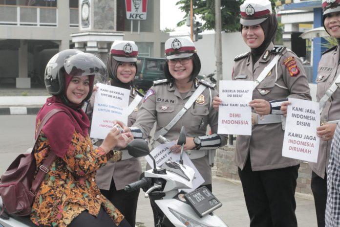 Polres Purwakarta Lakukan Sosialisasi Sosial Dintancing Penyebaran Covid-19