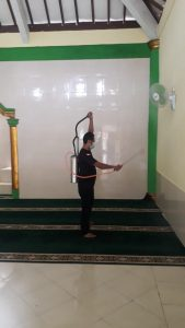 Penyemprotan masjid