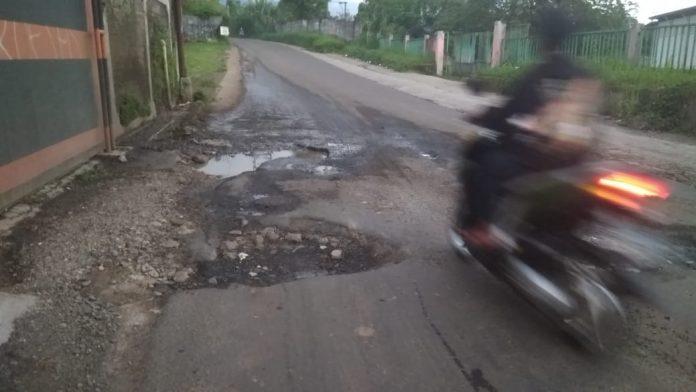 Jalan alternatif Purwasari Nanggerang Cicurug Angker