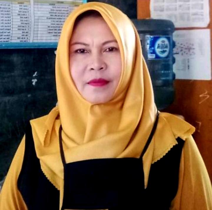 Eti Nuryanti,S.Pd, Pengurus PC PGRI Jampangtengah Bidang pemberdayaan Perempuan