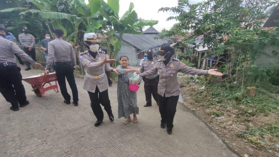 Peringati Hari Kartini Polres Purwakarta Himbau Masyarakat Ingatkan Tetap di Rumah - infokowasi