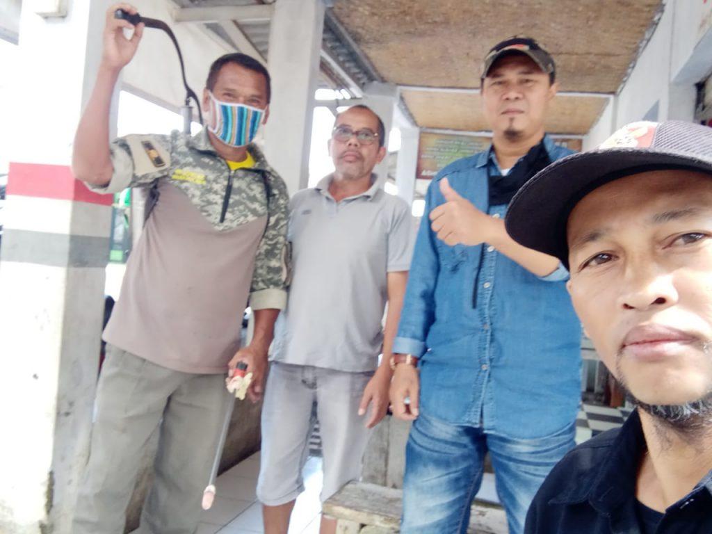 PK KNPI Kecamatan Parakansalak lakukan penyemprotan COVID-19