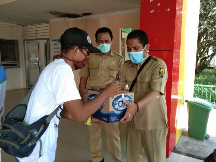 Sejumlah Komunitas di Palabuhanratu Salurkan Bantuan Ke RSUD Palabuhanratu