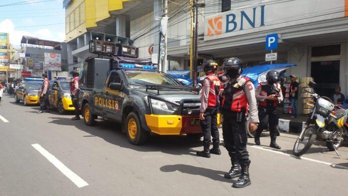 Polres Kota SukabumiI Cegah Penyebaran COVID-19 dengan Tetap Siaga Menghimbau Masyarakat