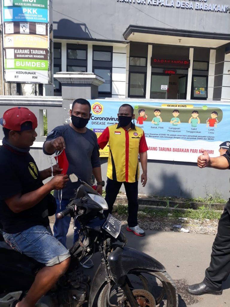 Desa Babakan Pari Sebar 10.000 Masker