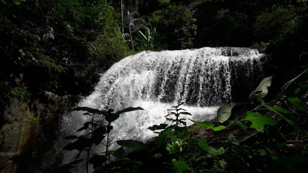 Satu Aliran Sungai Empat air terjun eksotis, Sungai Cilengsir Desa Panumbangan Kecamatan Jampangtengah