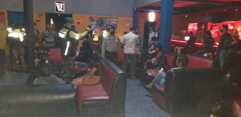 Tim Gabungan Lakukan Patroli Malam Pastikan PSBB Kota Bogor Kondusif