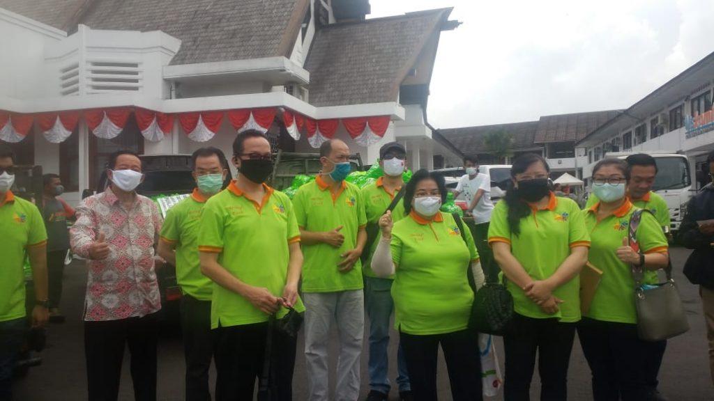 Bantuan Paket Sembako dari WNI Keturunan Tionghoa untuk Pemkot Sukabumi