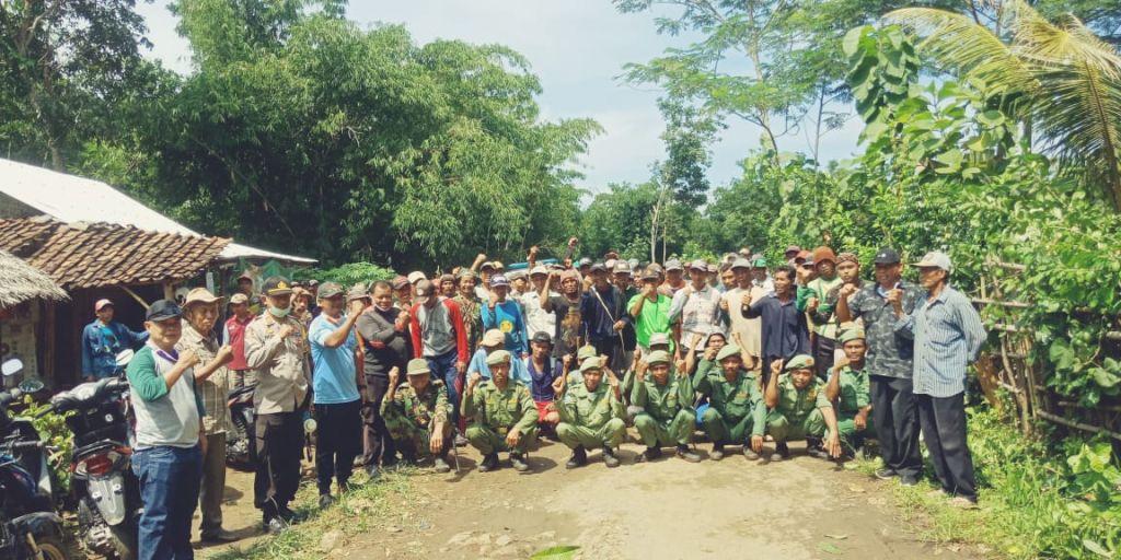 SABILULUNGAN. Bakti Sosial dan Pembagian 1200 Masker di Desa Cipendeuy, Kec. Surade, Kab. Sukabumi