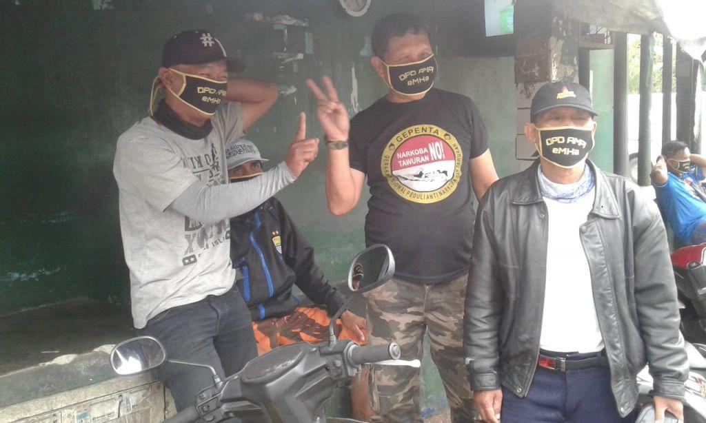 Putus Mata Rantai Covid-19, DPD AMPI Bagi-Bagi Masker di Jalan dan Lingkungan Warga Kp. Ciutara